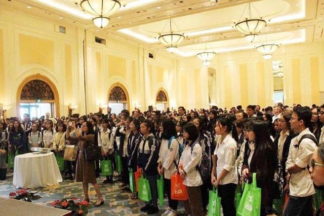 Sự kiện thu hút đông đảo học sinh Việt Nam đến tham dự.