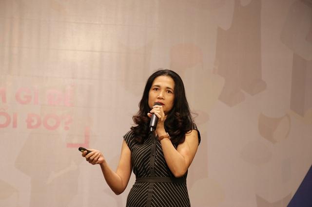 Bà Trần Yên Định nhấn mạnh, 2 tỷ nghề nghiệp cho đến năm 2030 sẽ biến mất, thay thế bởi những nghề nghiệp khác.