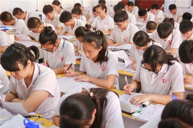 Tiết lộ bất ngờ thú vị về một số nền giáo dục trên thế giới - 2