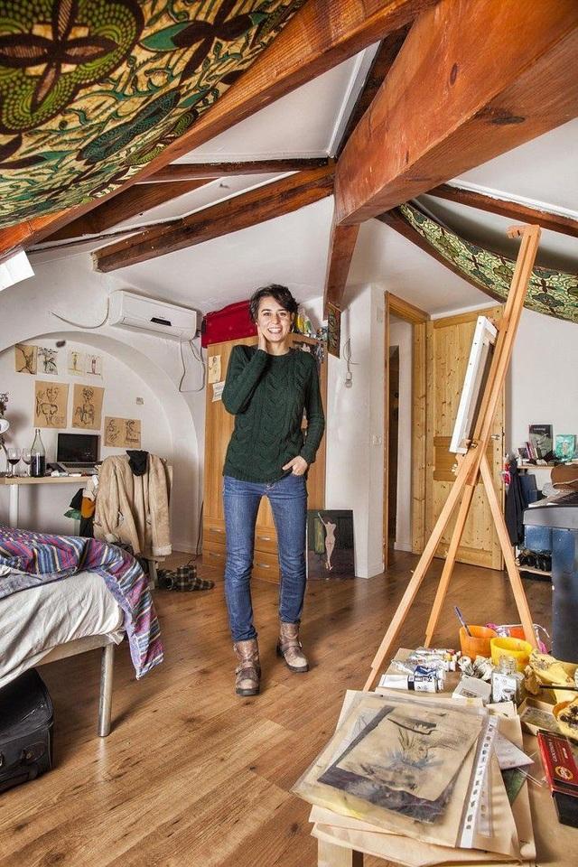 Caroline là sinh viên năm 3 khoa Y Đại Học Naples, Italia. (Ảnh: Henny Boogert)
