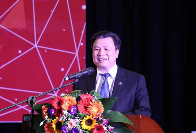 Thứ trưởng Bộ GD&ĐT Nguyễn Hữu Độ phát biểu tại chương trình.