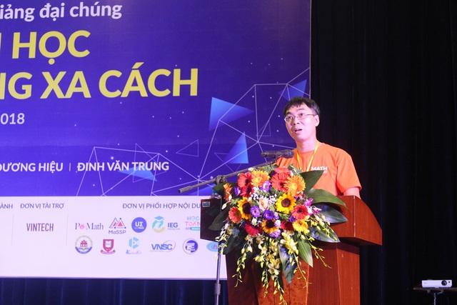 PGS Lê Minh Hà – Giám đốc điều hành tại Viện nghiên cứu cao cấp về Toán phát biểu tại chương trình