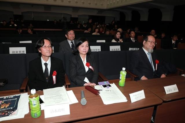 Các giáo sư người Nhật là giám khảo phần thi Hùng biện môn tiếng Nhật cho người Việt.