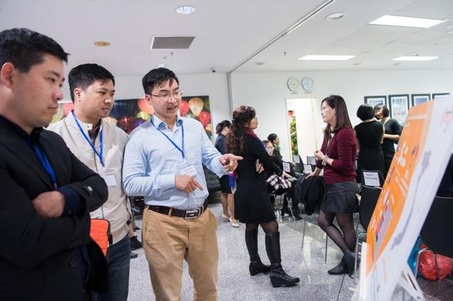 Các cựu sinh viên học bổng Chính phủ Úc xem số liệu về Quỹ Hỗ trợ cựu sinh viên Australia.