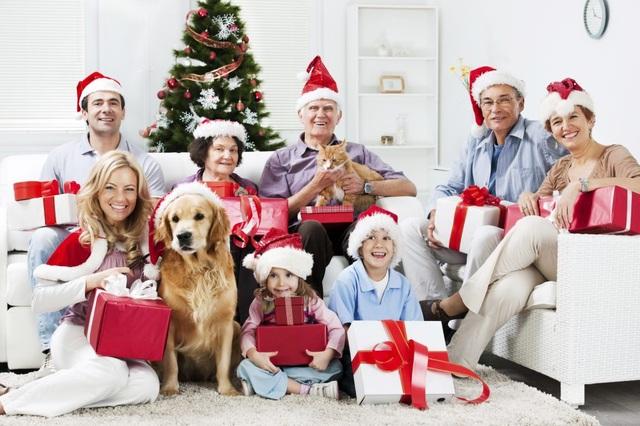 Bộ trưởng Giáo dục Italia: Giáng sinh là dành cho gia đình, không phải để làm bài về nhà - Ảnh 1.