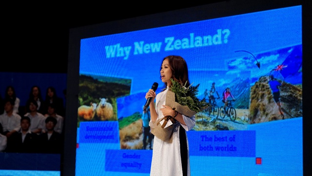 Nữ sinh Hòa Bình tự tin hùng biện tiếng Anh, giành vé đến New Zealand trải nghiệm - Ảnh 3.