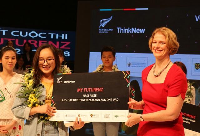 Nữ sinh Hòa Bình tự tin hùng biện tiếng Anh, giành vé đến New Zealand trải nghiệm - Ảnh 6.