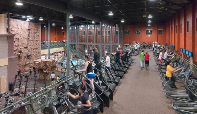 Những trung tâm thể thao, giải trí tuyệt vời của trường đại học Mỹ - Ảnh 4.