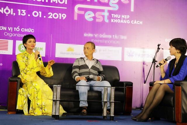 """Hoa hậu H'Hen Niê: """"Giáo dục cần song hành với hạnh phúc và thực lực"""" - Ảnh 3."""