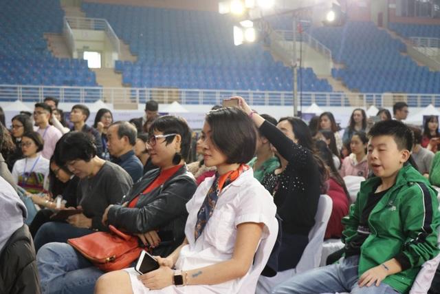 """Hoa hậu H'Hen Niê: """"Giáo dục cần song hành với hạnh phúc và thực lực"""" - Ảnh 5."""