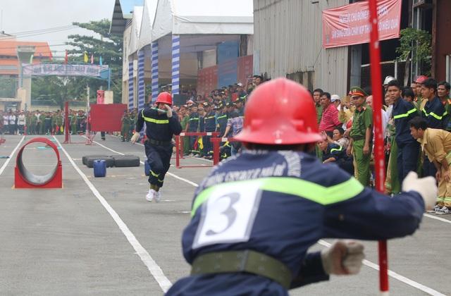 Lực lượng cảnh sát PCCC chuyên nghiệp thuộc Cảnh sát PCCC TPHCM với những phần thi vô cùng ấn tượng...
