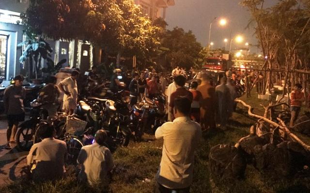Nhiều phương tiện, trang thiết bị đã được Cảnh sát cứu nạn - cứu hộ đưa đến hiện trường để thực hiện công việc tìm kiếm các nạn nhân.