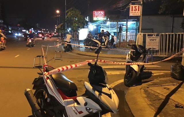 Hiện trường vụ án mạng làm 1 người chết, 3 người bị thương trên đường Trần Não, quận 2.