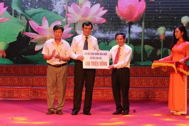 Trong buổi ra mắt, Qũy khuyến học, khuyến tài Nguyễn Du đã nhận được số tiền ủng hộ hơn 22,5 tỷ đồng.