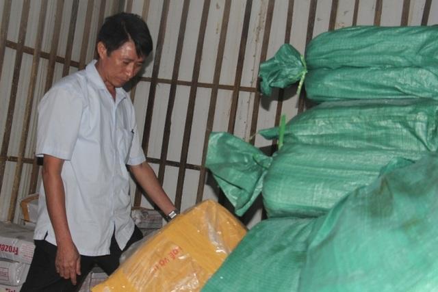 Lực lượng chức năng Hà Tĩnh tiến hành kiểm tra các kho cá đông lạnh trên địa bàn