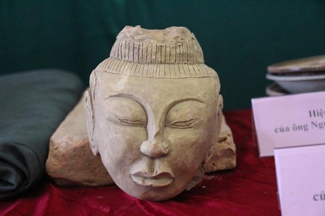Các hiện vật cổ do người dân trao tặng