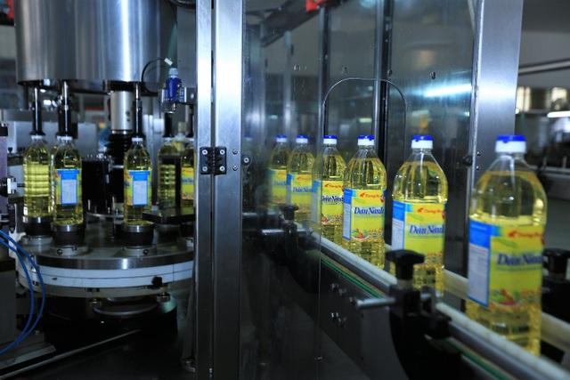 Hệ thống máy móc thiết bị của nhà máy rất hiện đại,trị giá hàng trăm tỉ đồng, được nhập khẩu từ Đức, Bỉ, Mỹ, Ý