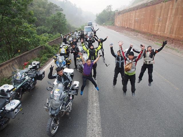 """Tây Tạng và hành trình chinh phục """"Nóc nhà thế giới"""" của 40 biker Việt - 5"""