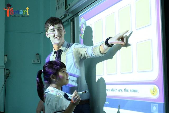 """Người thầy tận tình sẽ góp phần giúp trẻ vượt nỗi sợ """"đi học"""""""