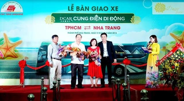 """Cúc Tùng Limousine ra mắt dòng xe DCAR Cung điện di động """"phong cách Hoàng gia"""" - 1"""
