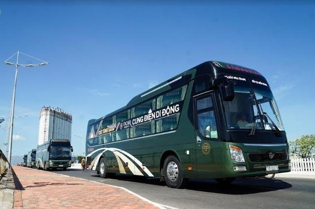 """Cúc Tùng Limousine ra mắt dòng xe DCAR Cung điện di động """"phong cách Hoàng gia"""" - 2"""