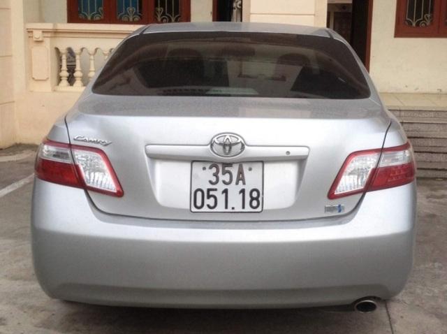 Chiếc ô tô Camry do Phó trưởng Công an huyện Kim Sơn điều khiển, tông tử vong chị Tú, đeo biển của một xe ô tô khác.