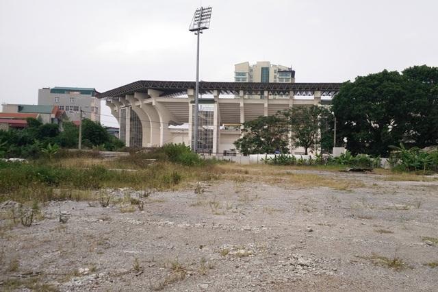 Trung tâm TDTT bỏ hoang chưa biết đến bao giờ xây dựng trở lại - 1