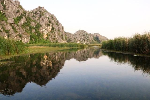 Cảnh sắc hoang sơ tuyệt đẹp ở đầm Vân Long - 9