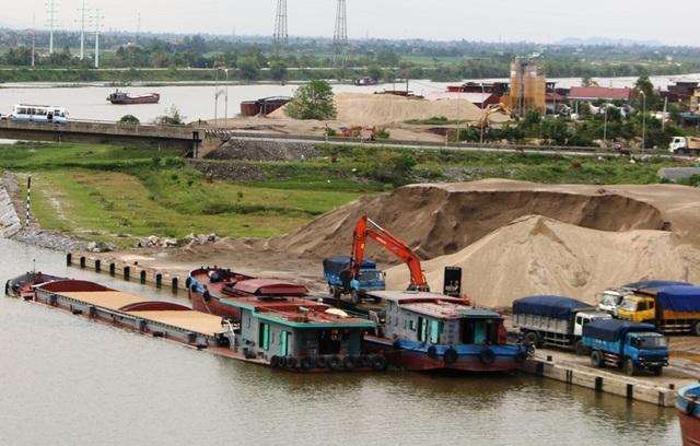 Bến thủy nội địa trên sông Đáy