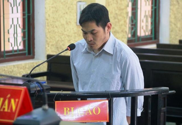 Bị cáo Lê Quang Thưởng trước vành móng ngựa