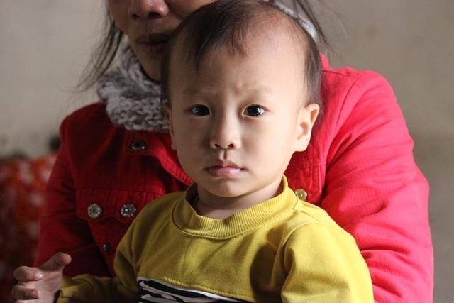 Xót xa bé gần 2 tuổi bị ung thư máu, bố lại bị tai nạn nằm liệt giường - 6