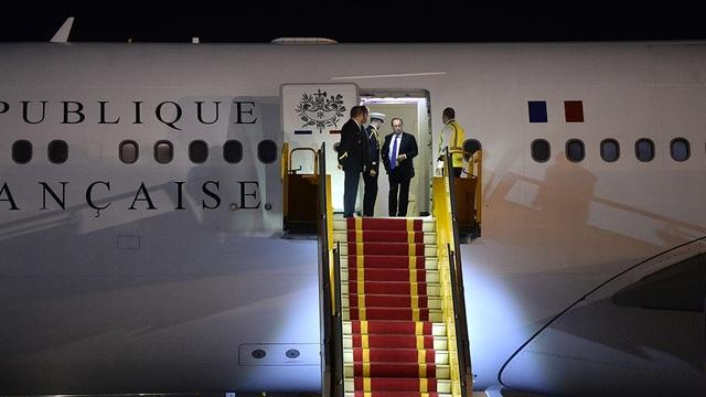 Những hình ảnh đầu tiên của Tổng thống Pháp Hollande tại Hà Nội - 8