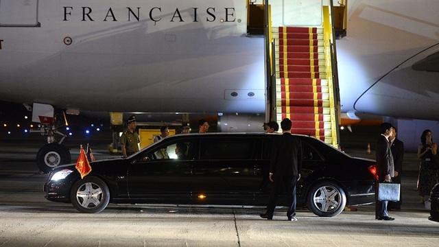 Những hình ảnh đầu tiên của Tổng thống Pháp Hollande tại Hà Nội - 14