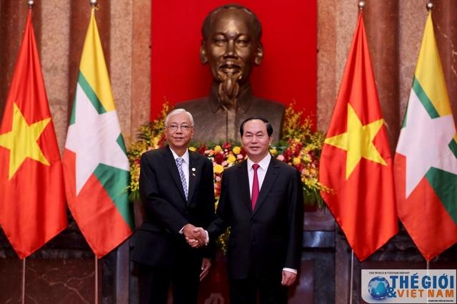 Tổng thống Myanmar Kyaw và Chủ tịch nước Trần Đại Quang chụp ảnh lưu niệm trước khi vào hội đàm