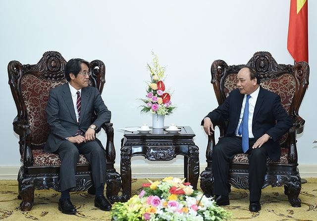 Chiều 11/11, tại Trụ sở Chính phủ, Thủ tướng Nguyễn Xuân Phúc đã tiếp Đại sứ Nhật Bản tại Việt Nam Kunio Umeda đến chào nhân dịp nhận nhiệm vụ tại Việt Nam