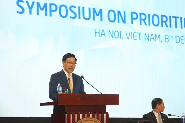 Phó Thủ tướng, Bộ trưởng Ngoại giao Phạm Bình Minh cho rằng, APEC đang đối mặt với nhiều thách thức lớn