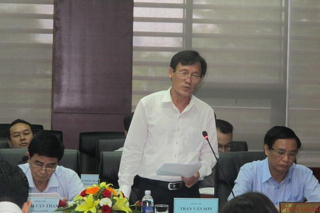 Ông Trần Văn Sơn, Giám đốc Sở Kế hoạch và Đầu tư Đà Nẵng báo cáo tại buổi làm việc