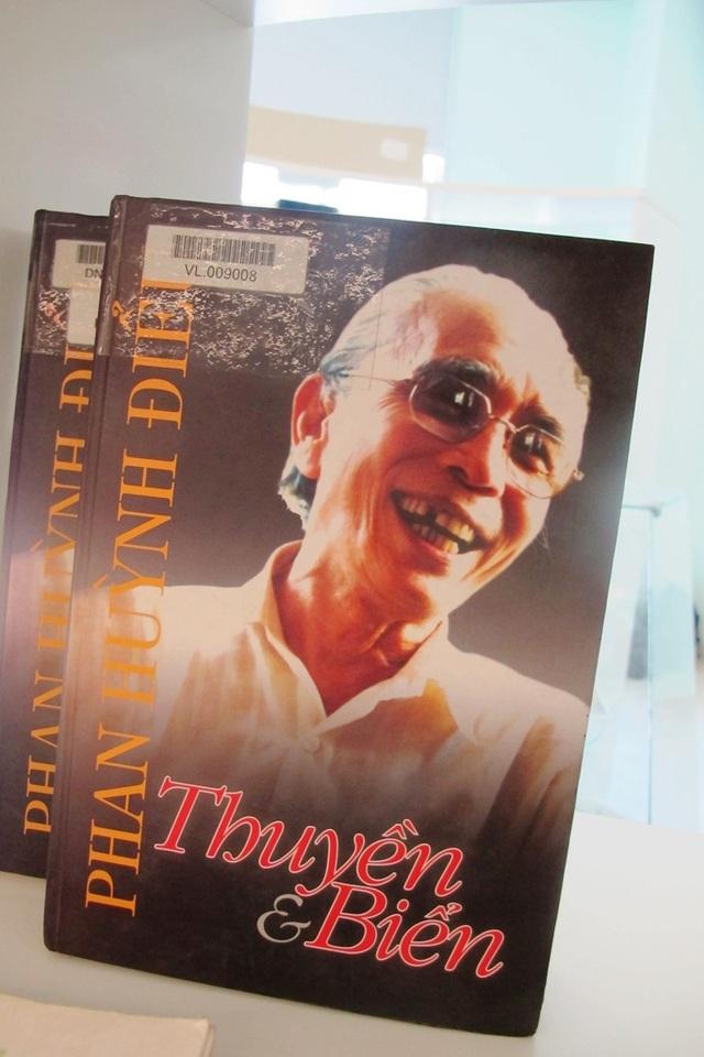 Sách giới thiệu về Phan Huỳnh Điểu