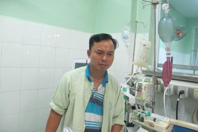 Anh Hồng đang lo lắng chưa biết kiếm đâu ra tiền để chữa bệnh cho con
