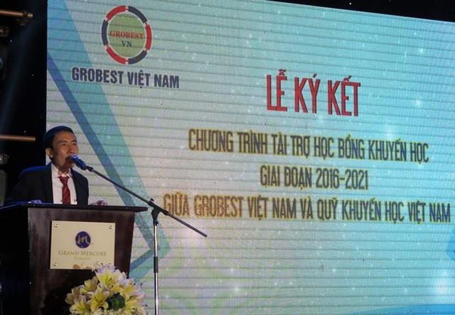 Ông Mai Văn Hoàng, đại diện Grobest Việt Nam phát biểu khai mạc buổi lễ ký kết hợp đồng tài trợ học bổng khuyến học giai đoạn 2016-2021