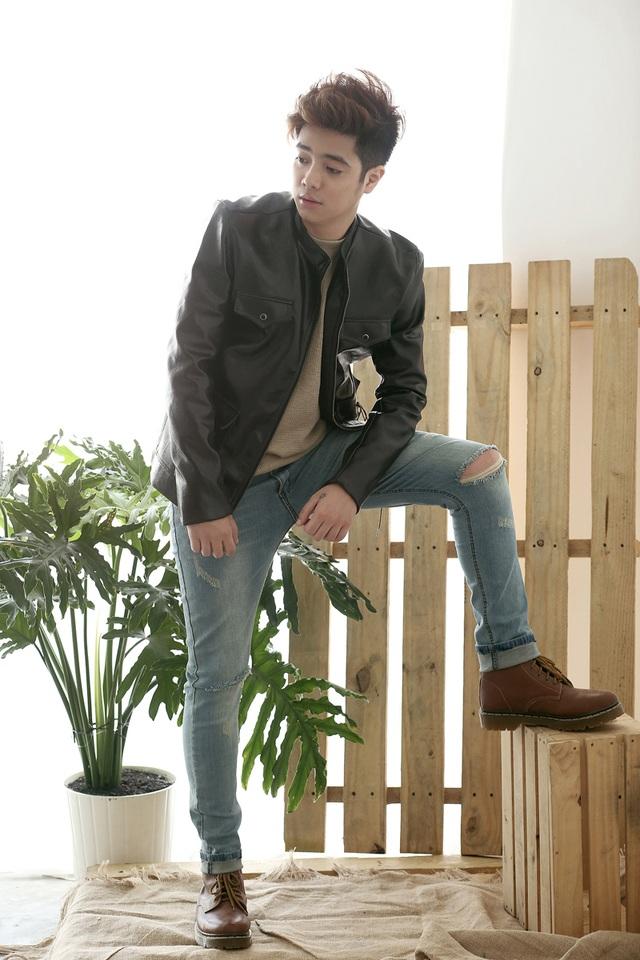 """Với sự trở lại lần này, Bùi Anh Tuấn cho ra mắt album đầu tiên """"Bùi Tuấn Collection 1 - Xin Em"""" vào ngày 12/09."""