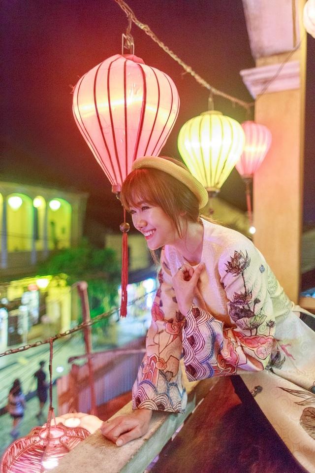 Nụ cười hiền lành và hồn nhiên là một trong những ấn tượng đẹp của khán giả khi nhắc về Hari Won