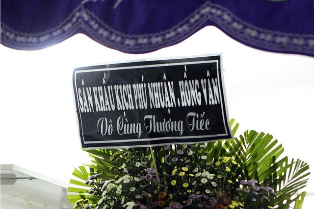 Sân khấu kịch Phú Nhuận là nơi ca sĩ Minh Thuận gắn bó trong suốt thời gian anh tham gia kịch nói...
