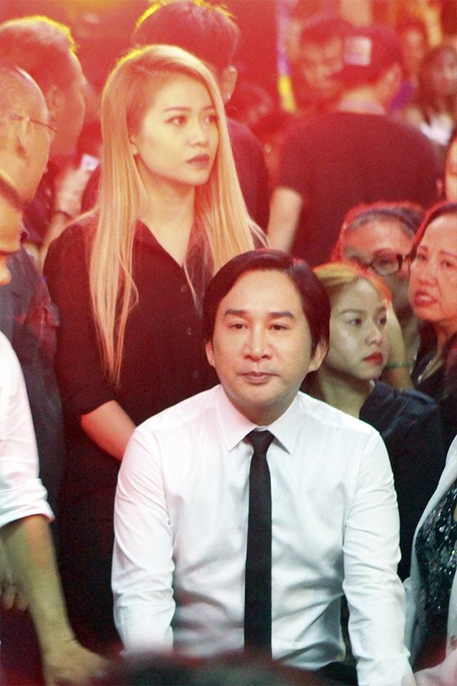 Xúc động tình nghệ sĩ đêm cuối cùng bên ca sĩ Minh Thuận - 14
