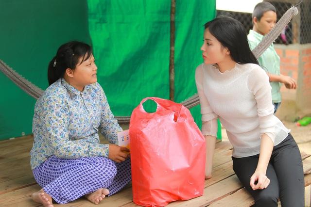 Đây cũng là khu vực ven biên giới tổ quốc, nơi có nhiều hộ gia đình việt kiều Campuchia nghèo sinh sống. Phần lớn công việc của họ là bắt tôm cá kiếm sống qua ngày hoặc cạo mũ cao su thuê, đời sống bấp bênh.
