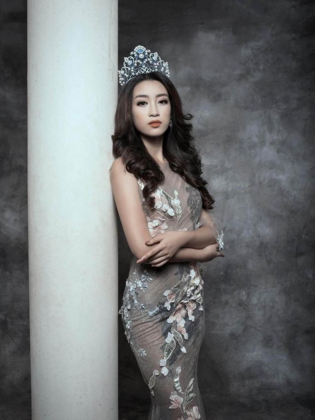 Với hướng đi đúng cùng hình ảnh ngày càng yêu kiều và biến hóa này chắc chắn Hoa hậu Việt Nam 2016 sẽ tiếp tục tỏa sáng trong hành trình hoa hậu với nhiều sứ mệnh.
