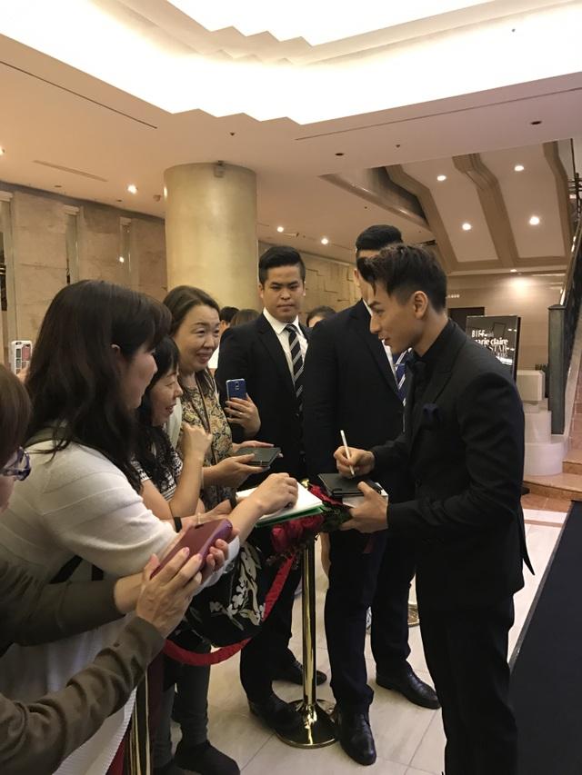 Isaac nhận được nhiều sự quan tâm của khán giả tại LHP Busan
