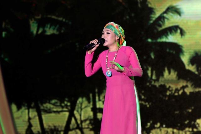 Ca sĩ Phương Thanh biểu diễn ca khúc quen thuộc Giận mà thương với cảm xúc mới mẻ nhưng cũng thật sâu lắng.