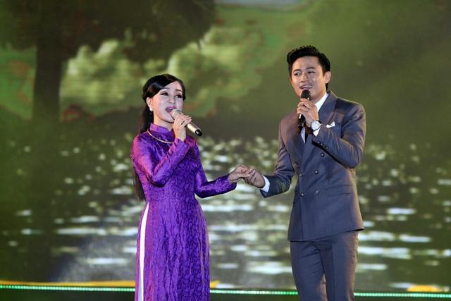 Ca sĩ Quý Bình và Hà Vân đem đến sự bất ngờ khi hát dân ca Ví giặm với ca khúc Điệu Ví giặm là em tại cái nôi sản sinh ra những điệu hò câu ví ngọt ngào.