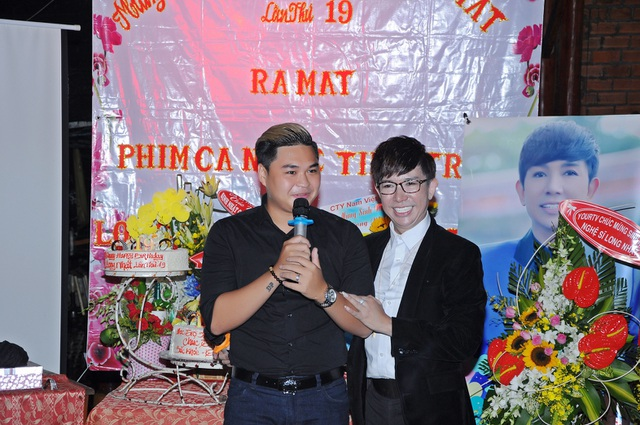 Duy Phước - con trai danh hài Duy Phương và Lê Giang cũng hát mừng sinh nhật nam ca sĩ